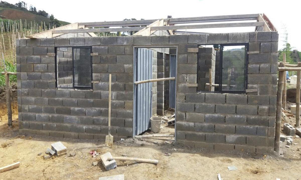 Casas gratis para campesinos en el santuario ya est n en for Construccion de casas