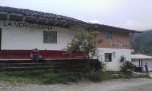 Pie de foto 2: La Verraquera es un reconocido sector de la vía Medellín - San Carlos. Durante años, fue lugar dominado por los grupos armados ilegales. Ahora, es punto de encuentro de la comunidad.