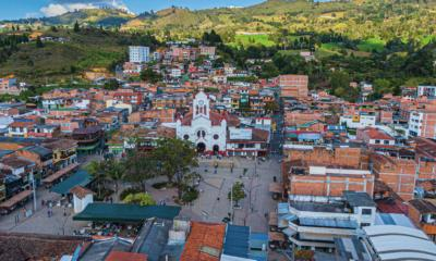 Alcaldía de Guarne rifa vehículo entre personas que hagan compras en el municipio.