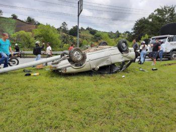 Accidente de tránsito en la Autopista Medellín - Bogotá.