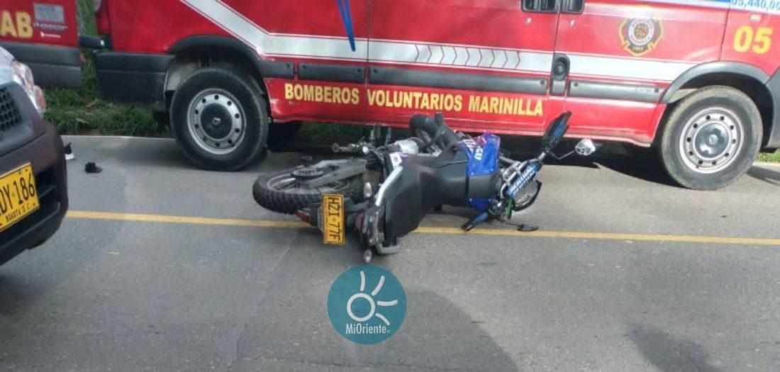 Accidente de tránsito en la vía Marinilla - El Peñol.