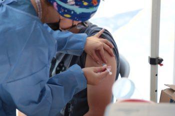 Inicia la vacunación de tercera dosis para adultos mayores en el Oriente antioqueño.